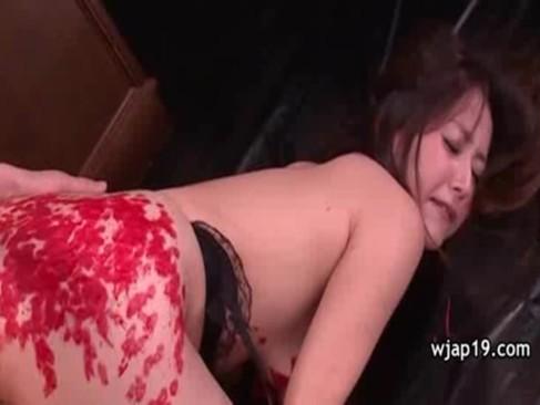 SM調教されながらおまんこをハメられている加藤なおのjyukujo無料モザナシ!ロウソクを垂らされて悶絶してるおばさんの動画